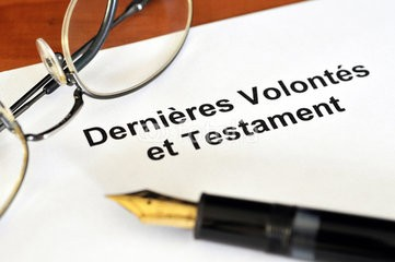 clause beneficiaire assurance vie testament